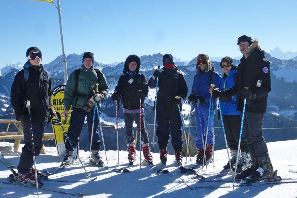 retro-camp-ski